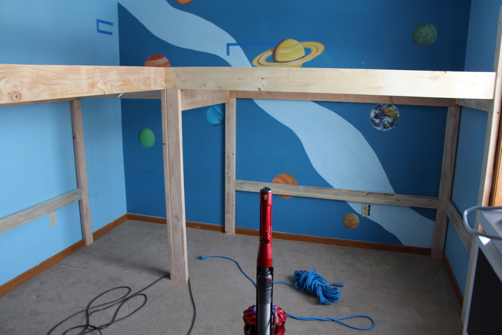 Boys Room Makeover: DIY L-Shaped Loft Beds Part I ...